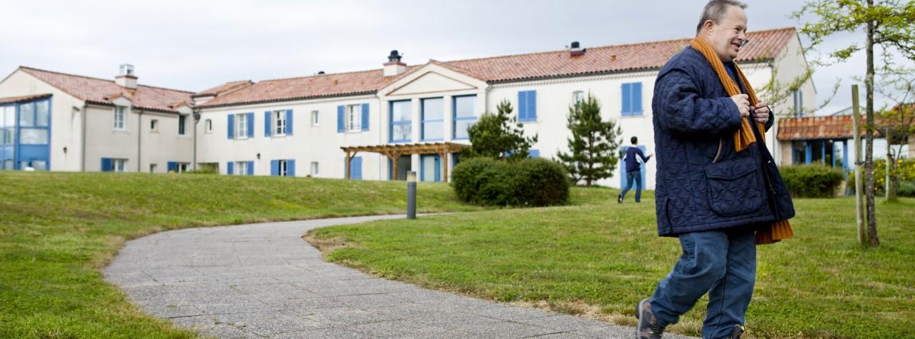 Maison de retraite a courbevoie beautiful residence for Animateur en maison de retraite